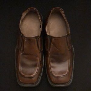 Boys Dress Shoes size 4